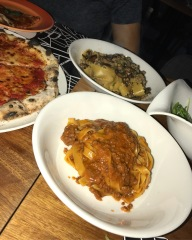 Getting our Italian fix with a bolognese tagliatelle, margherita pizza and a mushroom papardelle//2it and Drink, Valley Point