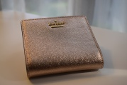 Love my big wallets, but this small rose gold one is so me;)