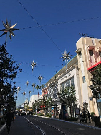 Ready for Christmas, and so is the mall! // The Grove, Los Angeles